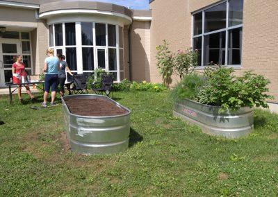 bucket-gardens-school